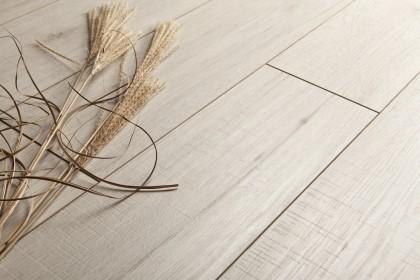 kaindl fresho hickory fehér laminált padló