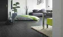 fekete laminált padló