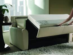 parketta gyilkos kanapé