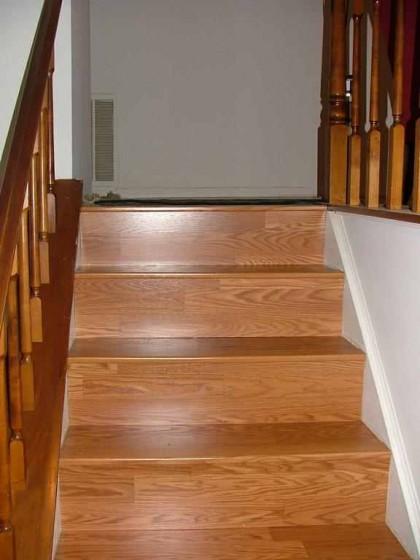 laminált padló lépcsőre