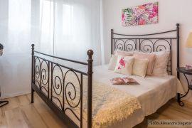 Új laminált padló panel lakásban