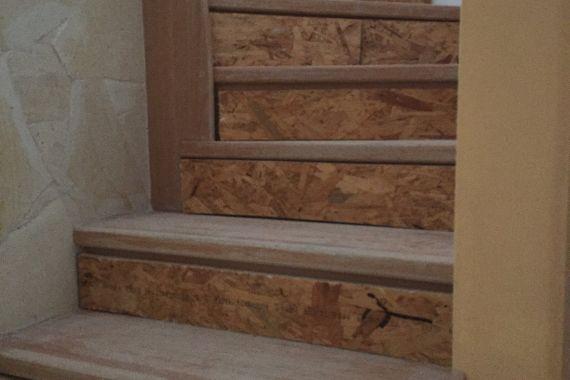 lépcső laminált padló előtt